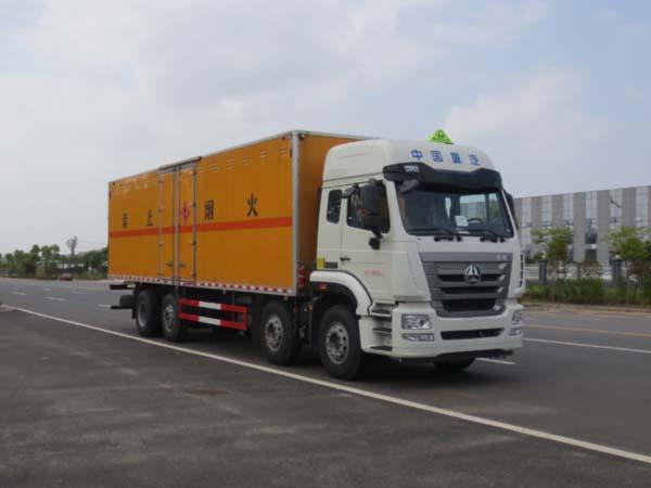 JDF5311XRYZ5易燃液体厢式运输车