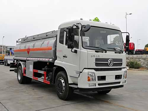 东风天锦12吨运油车