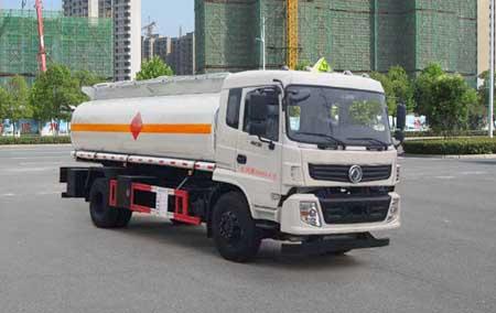东风12吨运油车