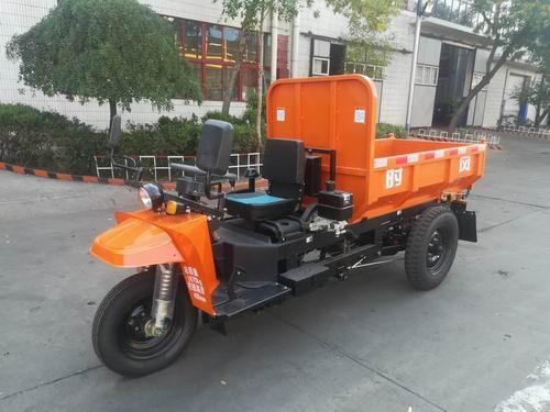 山东时风7YP-1175DAW型自卸三轮汽车