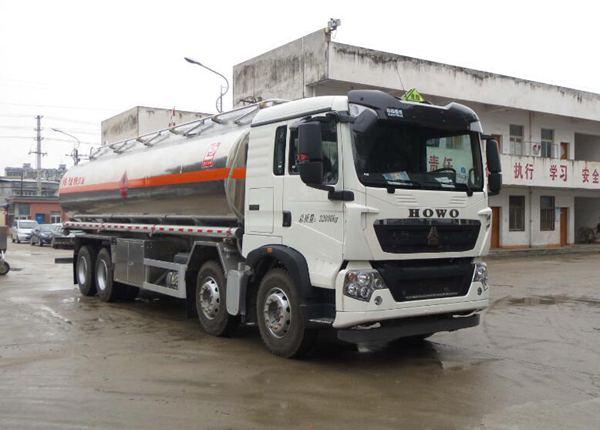 重汽豪沃22噸運油車