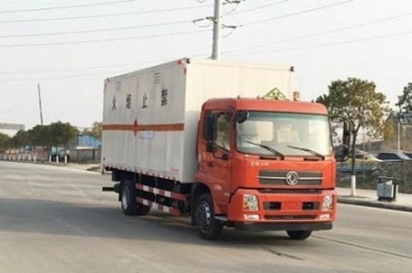 亚博体育官网天锦易燃气体厢式运输车图片