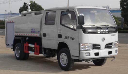 东风多利卡双排3.28吨消防洒车