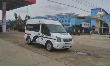 程力威CLW5040XQCJ5警用囚车