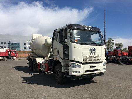 解放J6P 350马力 6X4 5方混凝土搅拌运输车