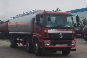 国五欧曼小三轴20吨运油车