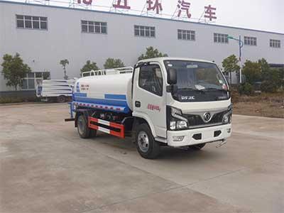 国六东风4吨洒水车