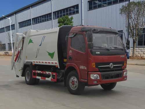 东风大多利卡压缩式垃圾车(玉柴150马力)