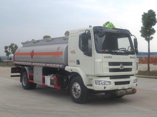 柳汽乘龍14.7方運油車 廠家直銷油罐車低價賣圖片