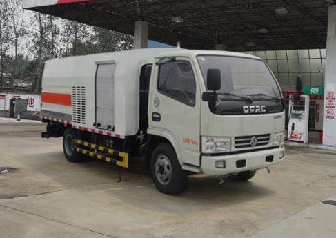 亚博体育官网多利卡国六护栏清洗车图片