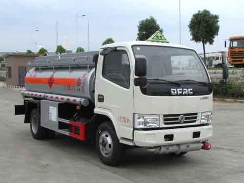 东风3-5吨加油车