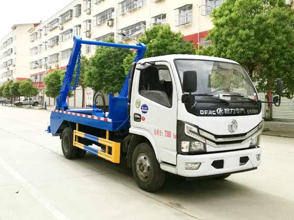 国六小多利卡摆臂式垃圾车