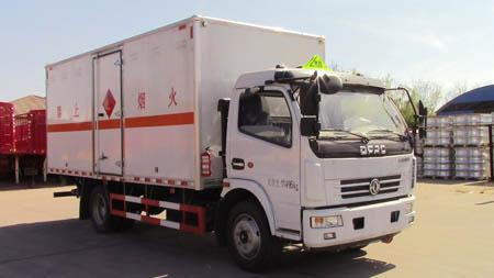 DLQ5110XRYP5易燃液体厢式运输车