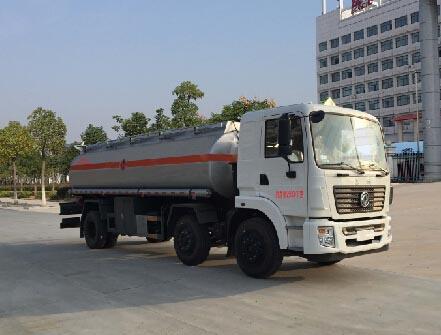 国五东风特商小三轴20吨运油车图片
