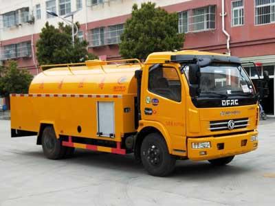 CLW5082GQXD5清洗车东风福瑞卡高压清洗车5立方