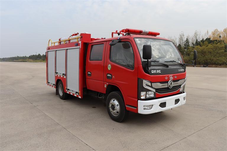国六东风2.5吨水罐消防车