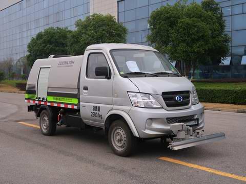路面养护车图片