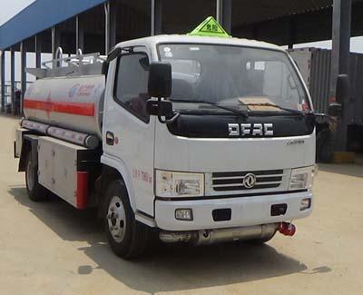东风3-5吨加油车图片