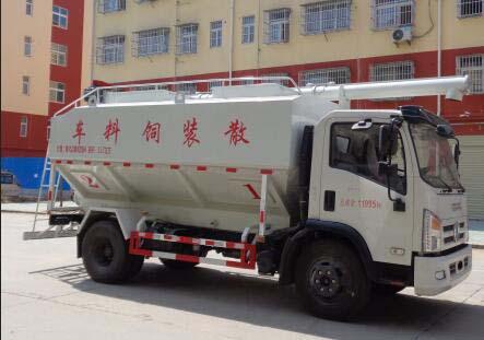 东风多利卡D7国六12立方散装饲料运输车