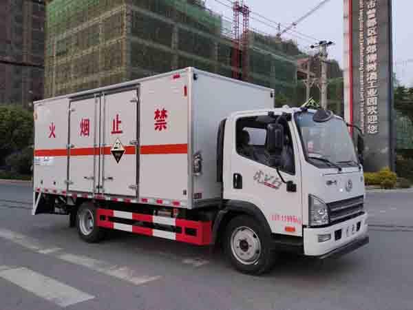 腐蚀性物品厢式运输车图片