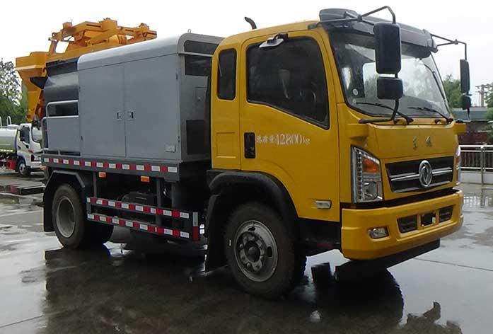 车载式混凝土泵车图片