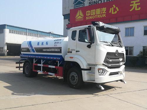 现在选程力牌12吨洒水车还能领1500油卡北京牌洒水车