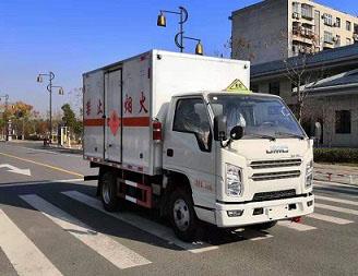 CLW5040XRYJ6易燃液体厢式运输车