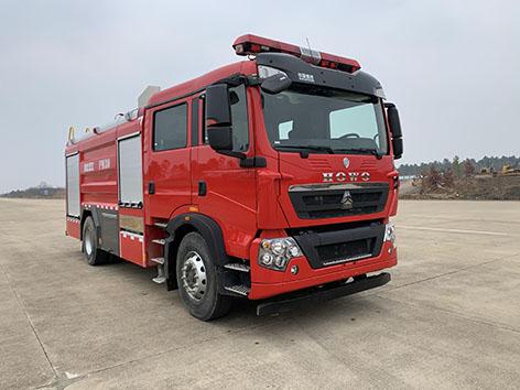 8吨重汽泡沫消防车