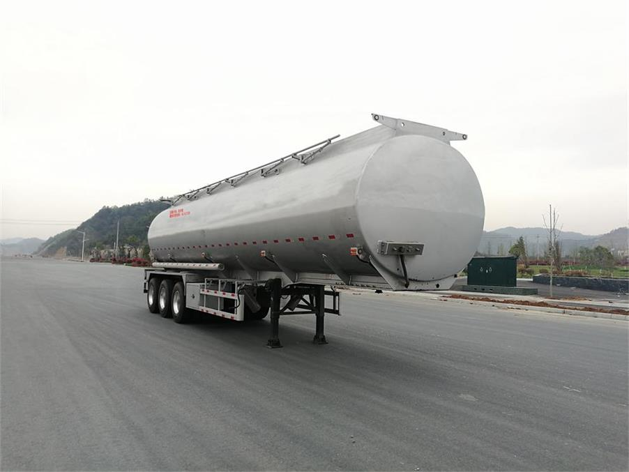 为您介绍海福龙牌润滑油罐式运输半挂车的先进生产工艺20吨油罐车多少钱图片