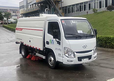 纯电动扫路车的操作流程三位一体扫路车图片