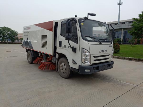 扫路车适用环境东风天锦扫路车多少钱一台图片