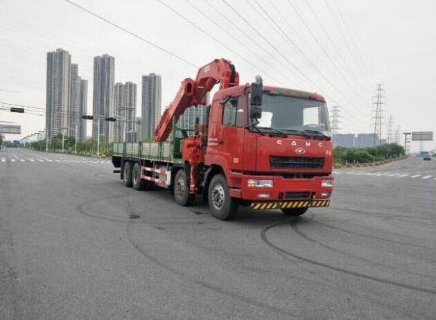 随车吊冬季保养柴油机如何进行预温节油措施中国汽车网随车起重运输车图片