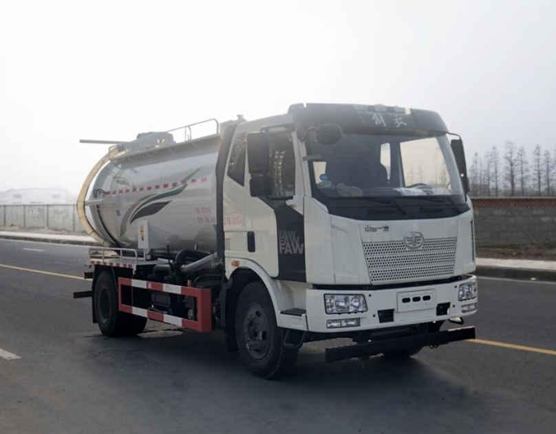 江苏常州市10吨吸污车厂家价格多少钱小型福田吸污车图片