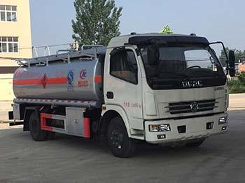 细说加油车与运油车的不同在哪里?流动加油车多少钱图片